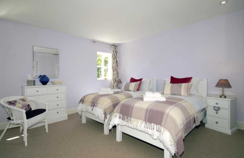 Abercastle holiday cottage sleeping 6 - twin