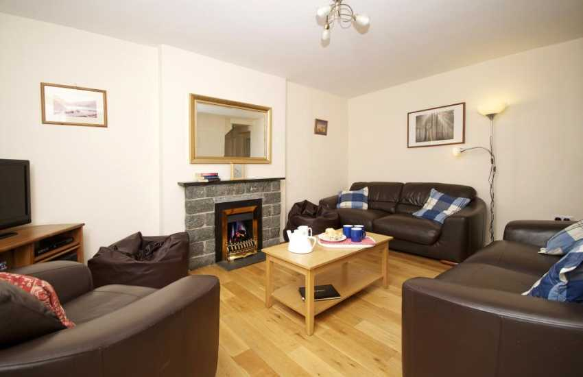 5 bed house North Wales - lounge