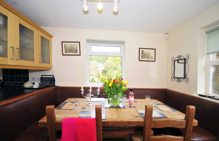 Beaumaris holiday cottage open plan kitchen/diner