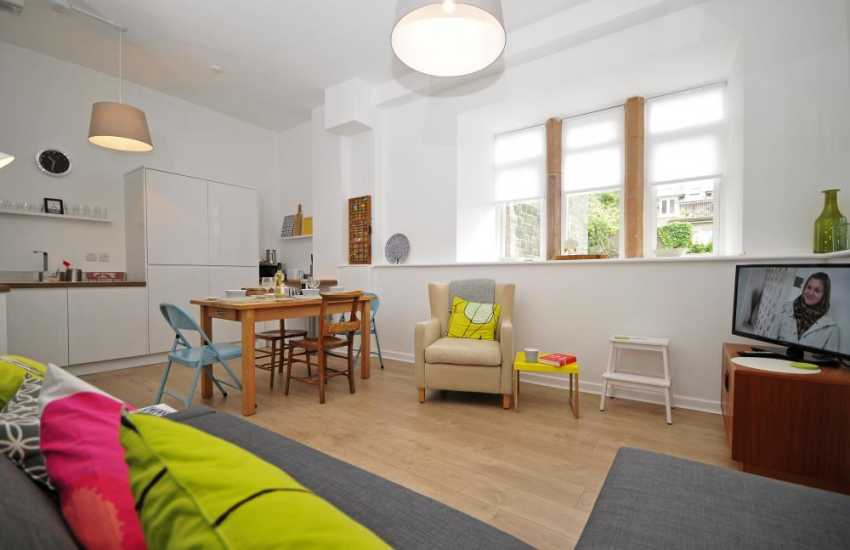 Criccieth holiday accommodation for two