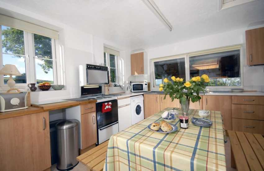 Self-catering cottage with sea views - kitchen