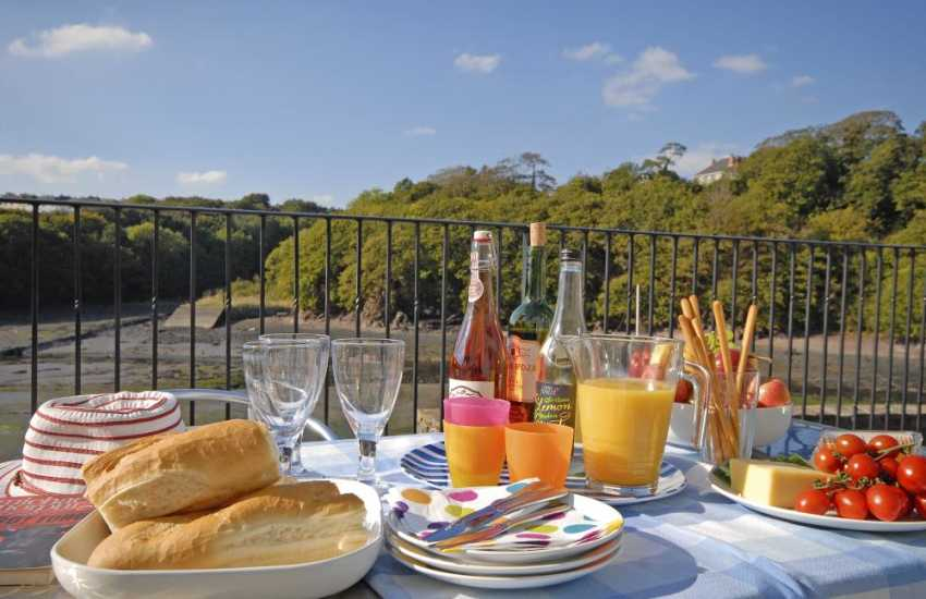 Relax and enjoy a picnic overlooking the water at 'Wren'