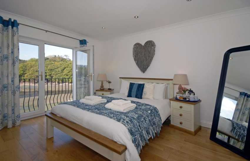 South Pembrokeshire holiday home – king size master bedroom with river views