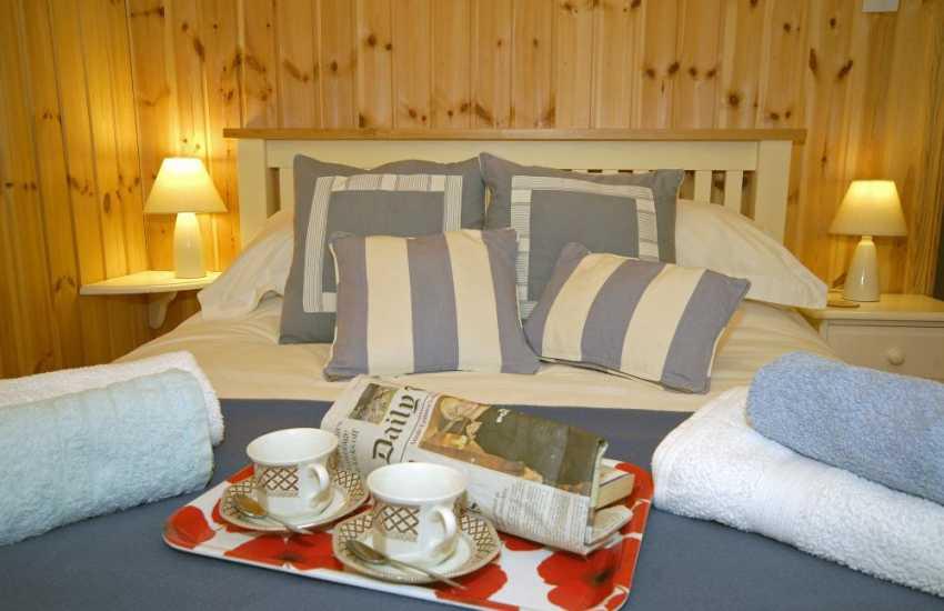 Newport cosy log cabin sleeps 4