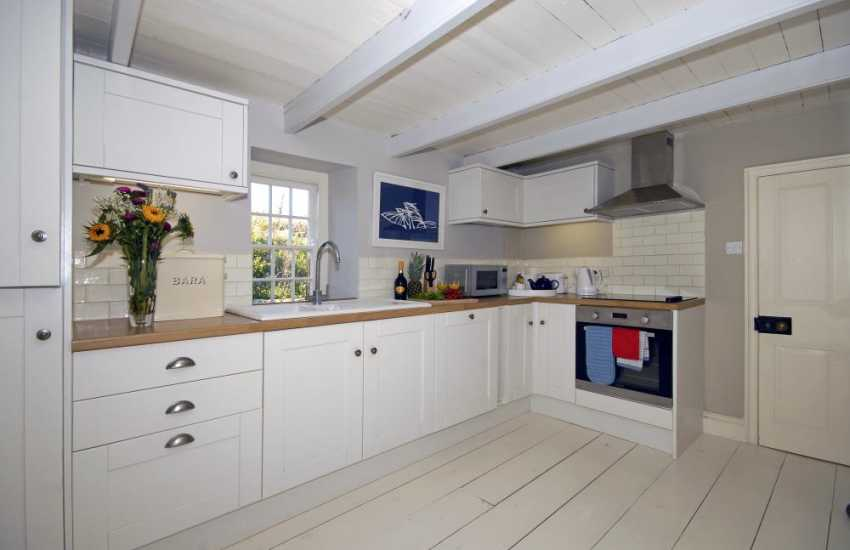 Self catering Welsh farmhouse near St Davids - kitchen