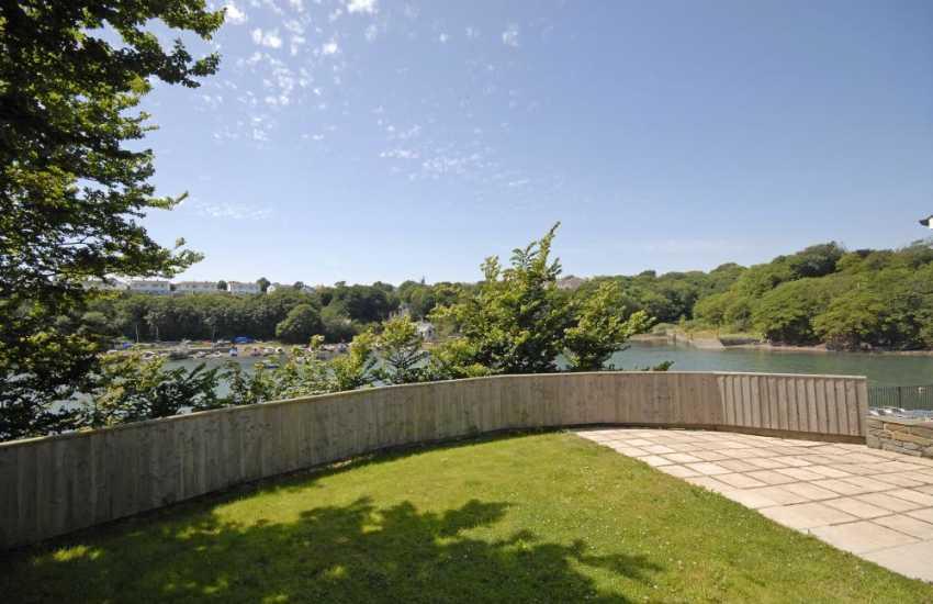 Milford Haven Waterway holiday home sleeps 6