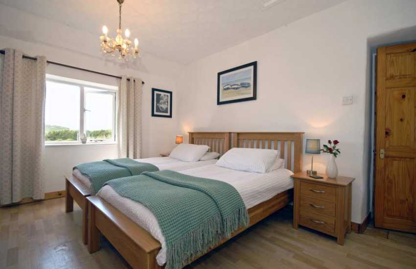 Pembrokeshire coastal holiday home - twin bedroom