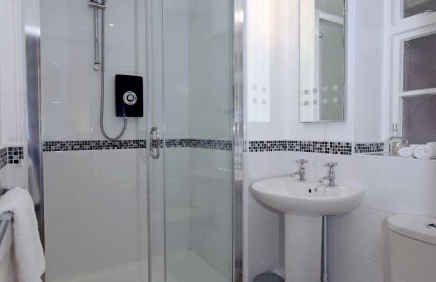 Dunraven Bay holiday home - ground floor double walk-in shower