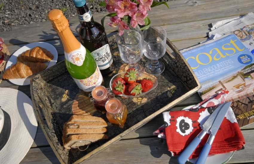 Alfresco dining at Dunraven Bay holiday cottage