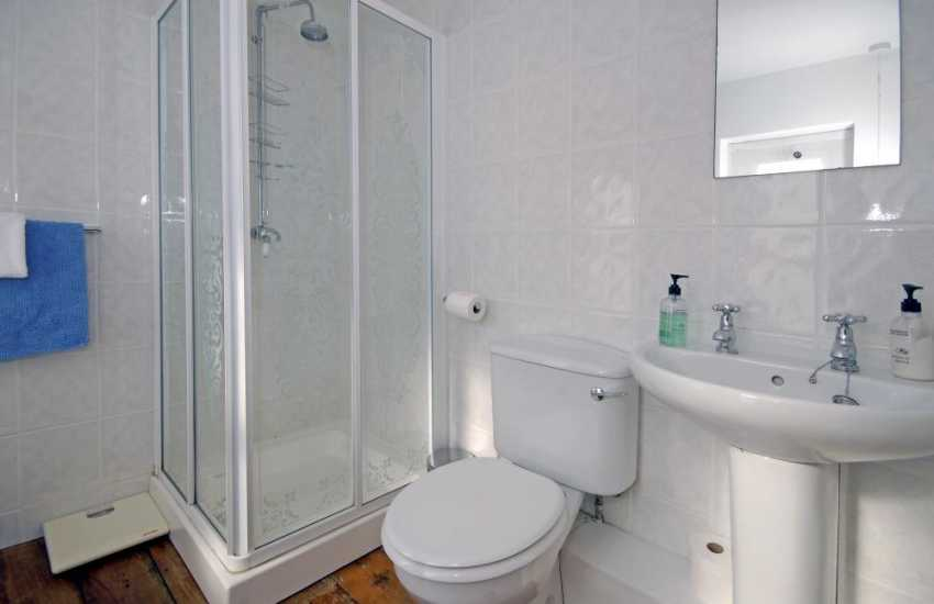 Dunraven Bay holiday home - shower room