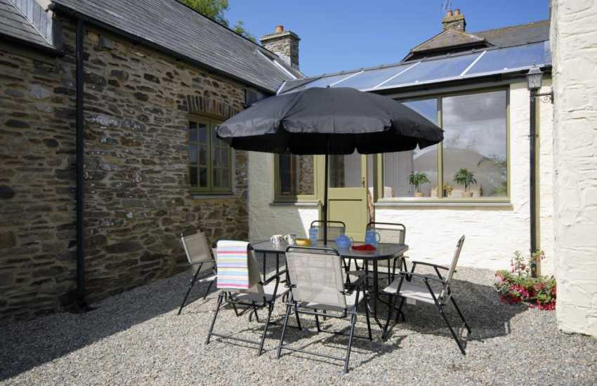 Cottage for rent in North Pembrokeshire - rear courtyard