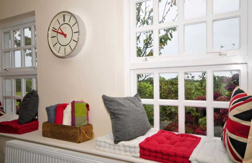 North Wales pet friendly holiday house - window