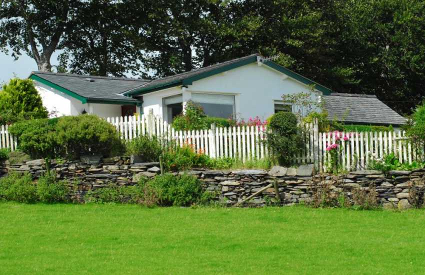 Cottage with spectacular views of the estuary near Portmeirion