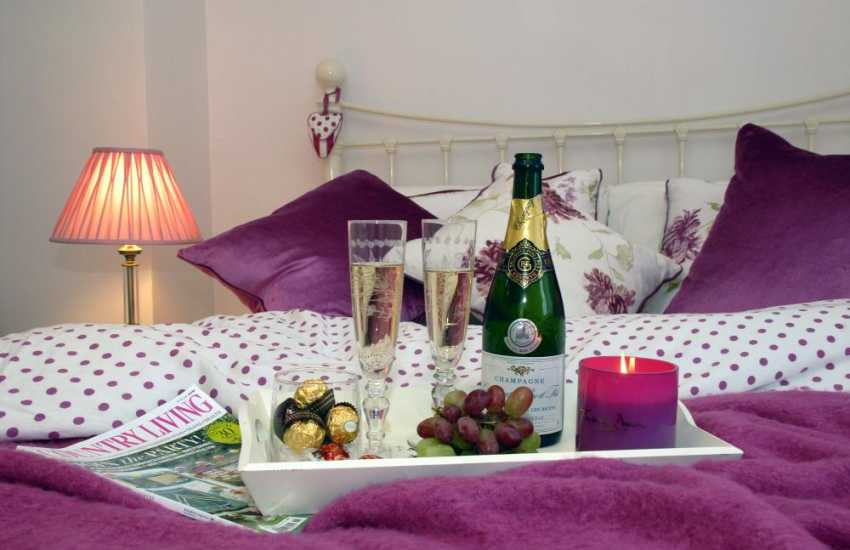 Bosherston - romantic holiday retreat