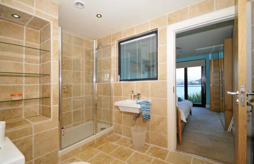 Anglesey luxury holiday house - en suite