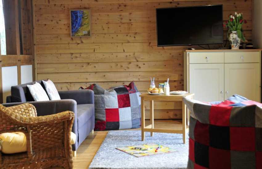 Large holiday house sleeping 25 - sitting room