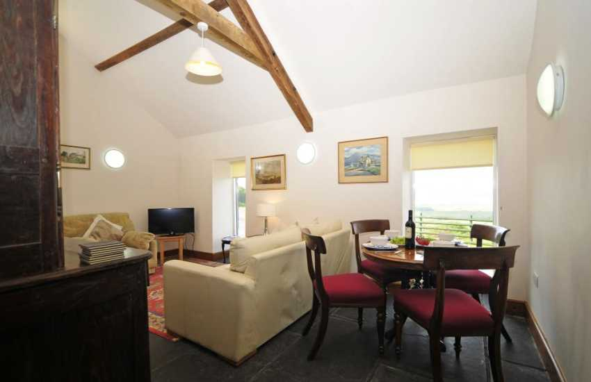 Welsh holiday cottage with views - dining
