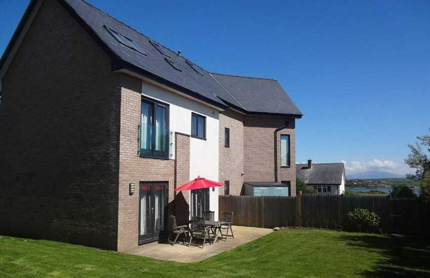 Rhosneigr self catering holiday house