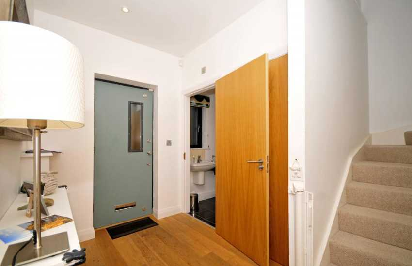 Anglesey self catering house for 9 - hall