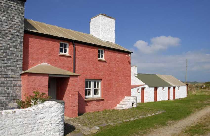 St Davids restored Grade II farm cottage near Whitesands Beach