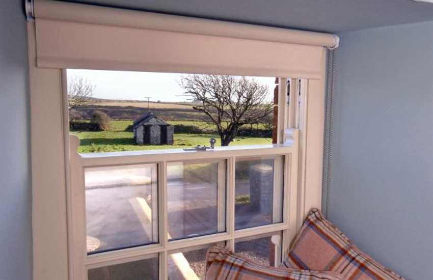 Pembrokeshire - rural farmhouse holiday cottage near St Davids