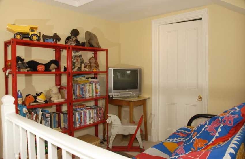 Large family holiday house near Laugharne - children's sitting area