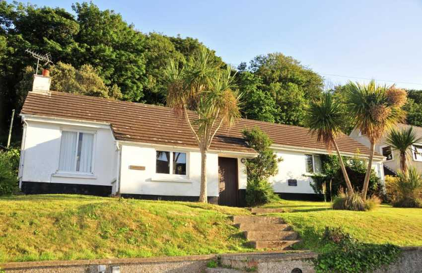 Holiday bungalow in Dale for rent - sleeps 6