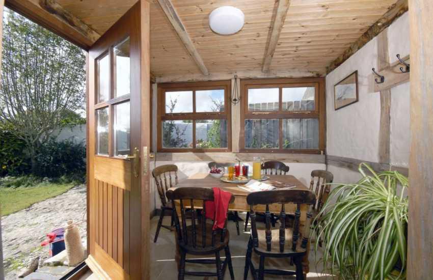 Pembrokeshire cottage holiday - sleeps 6