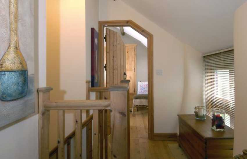 Pembrokeshire self catering barn conversion - landing
