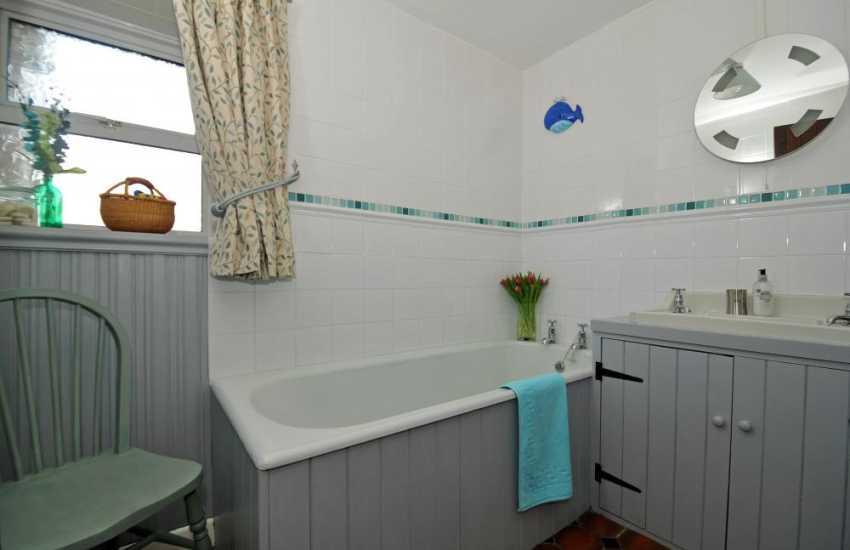 Pembrokeshire coastal path cottage - bathroom