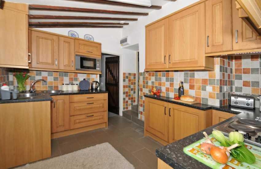 Holiday cottage Solva - kitchen