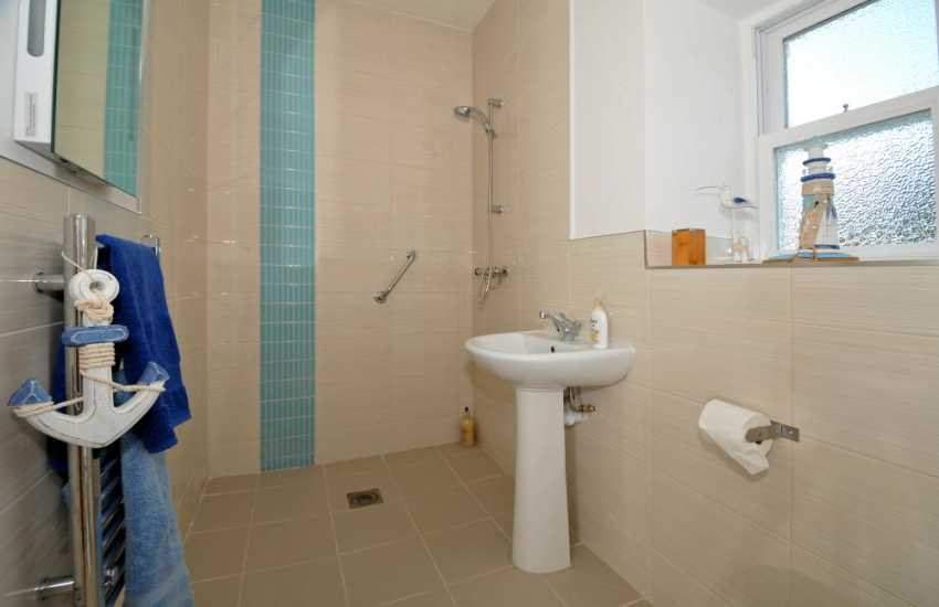Holiday cottage in Wales with hot tub - en-suite