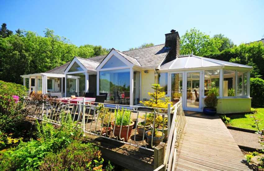 Holiday cottage bungalow with views over Red Wharf Bay