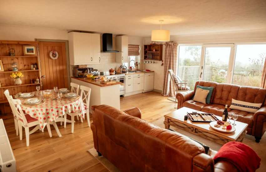 Three cliffs bay apartment for holidays on the gower