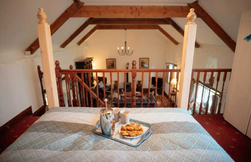 Llanmadoc romantic holiday for two - bedroom