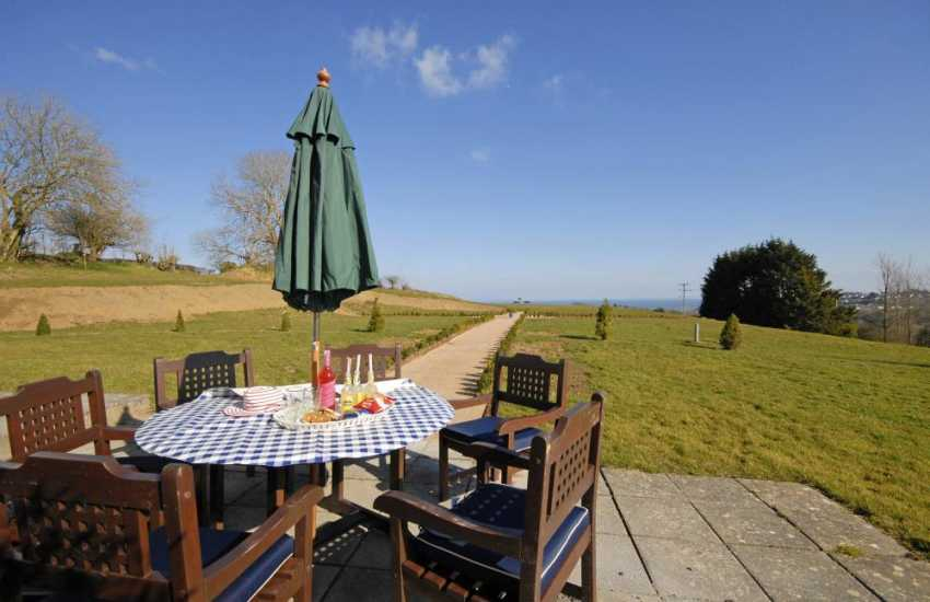 Family holiday home near Saundersfoot with sea views and large gardens