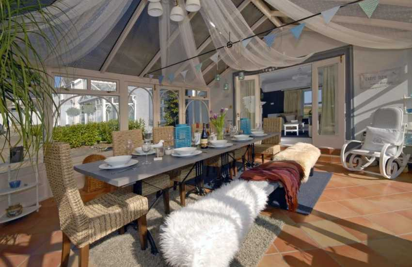 Saundersfoot luxury holiday home - conservatory over looking the gardens