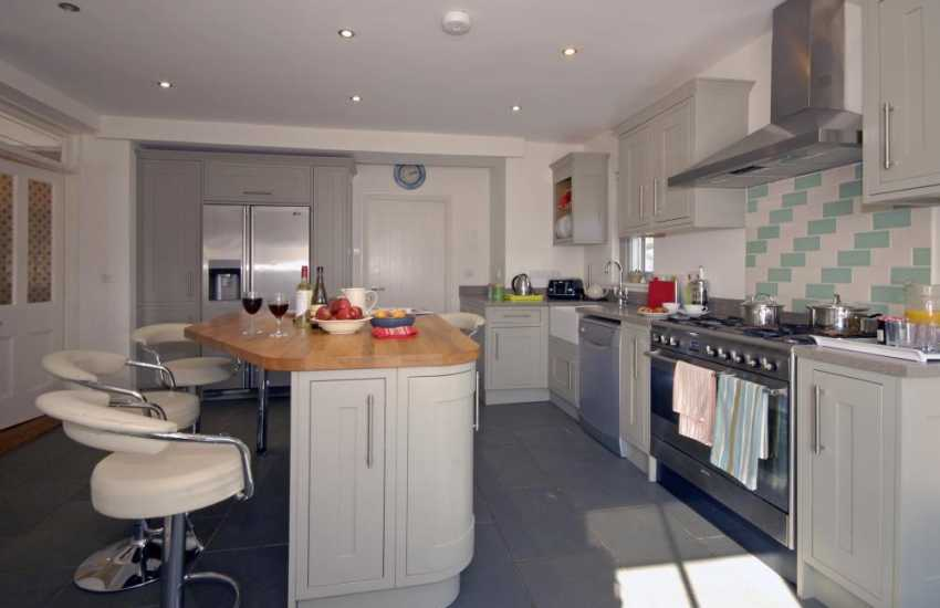 Luxury self-catering holiday house on the Haven Waterway - modern kitchen with range cooker and double electric ovens