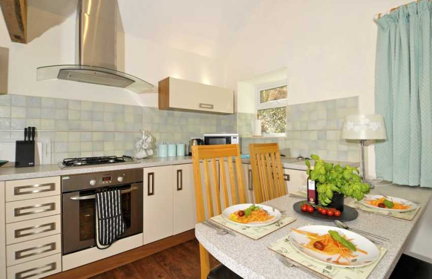 Anglesey holiday cottage - dining