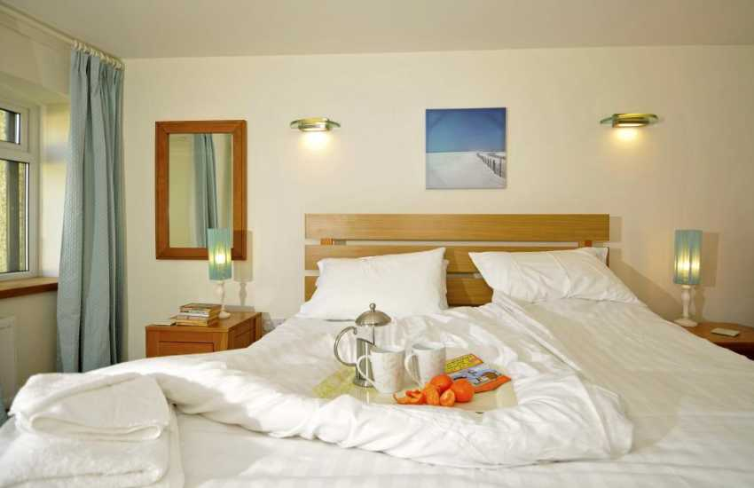 Self catering cottage Anglesey - bedroom