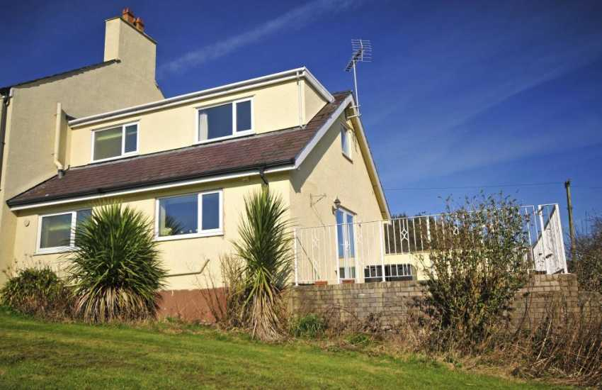 Coastal path cottage Anglesey - ext