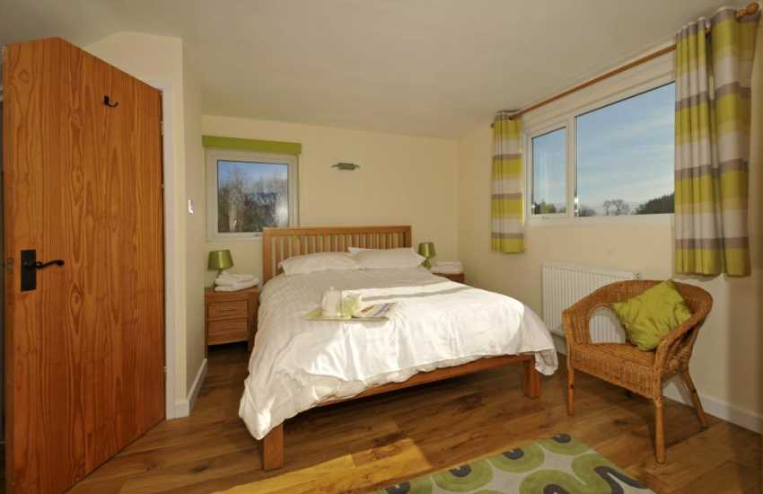 Anglesey holiday cottage with wifi-bedroom