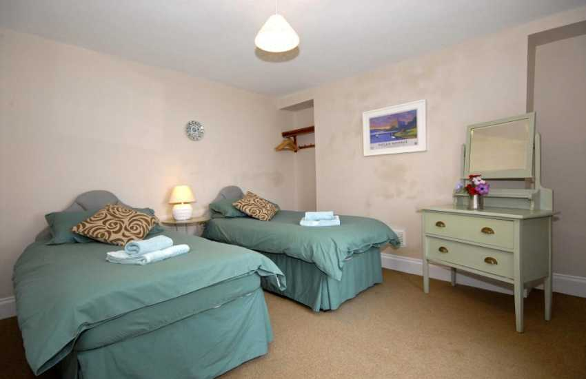 Pembrokeshire holiday home sleeps 6 - ground floor twin