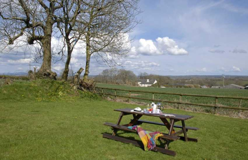Pembrokeshire pet friendly holiday cottage - private gardens with panoramic views