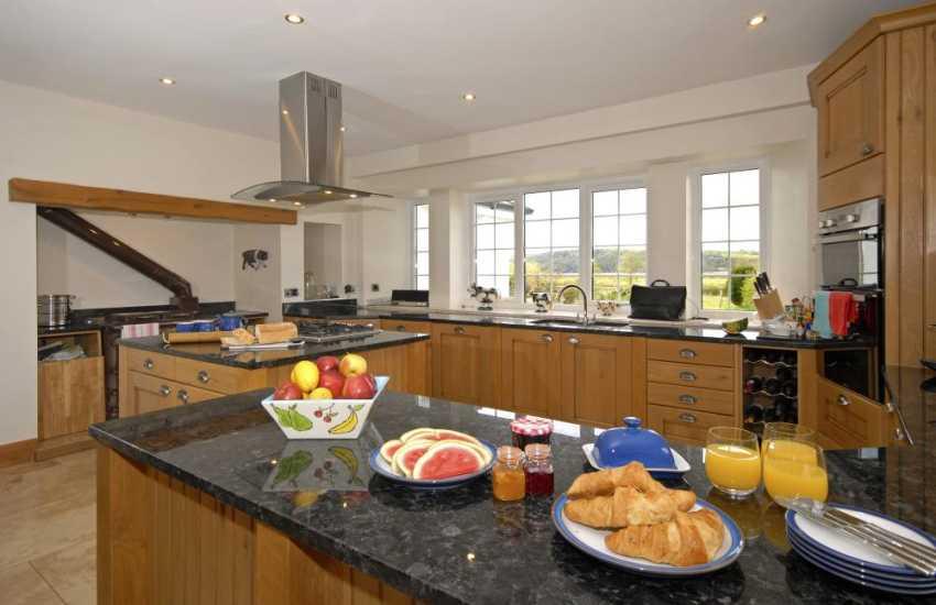 National Botanical Gardens - large holiday home with luxury kitchen