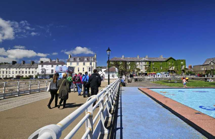 Beaumaris Pier and paddling pool