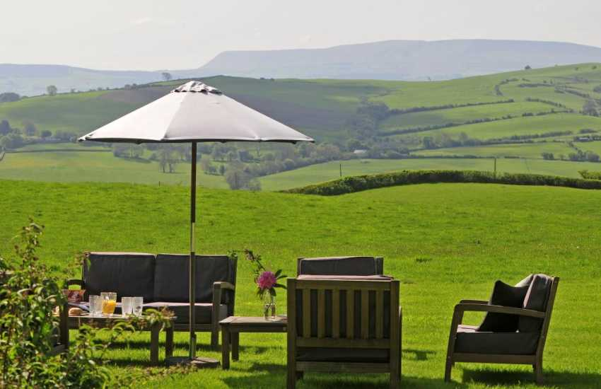 Hay on Wye luxury self catering - garden