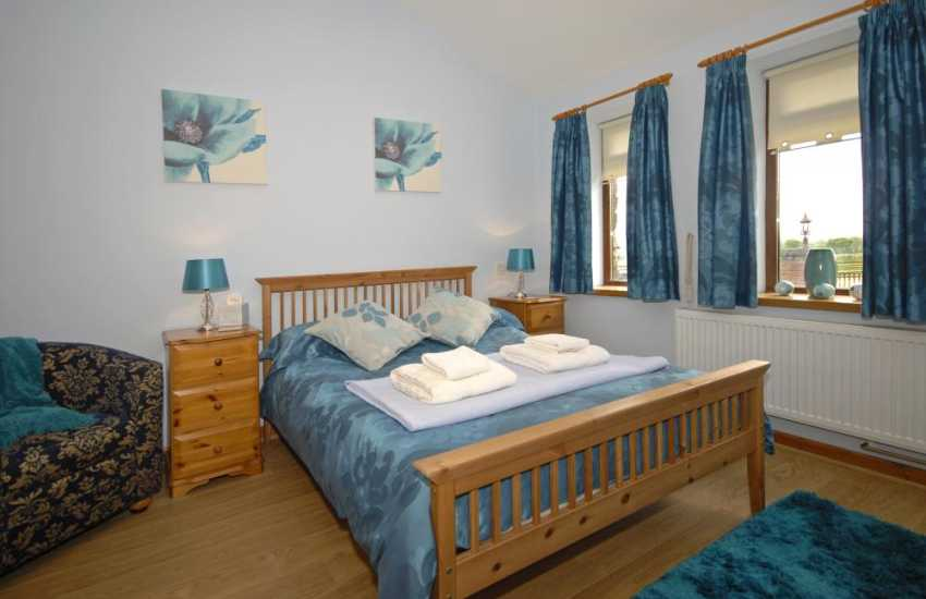 Converted holiday cottage in rural Carmarthenshire - ground floor double