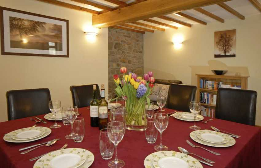 Relax and enjoy family gatherings at Elderflower Cottage