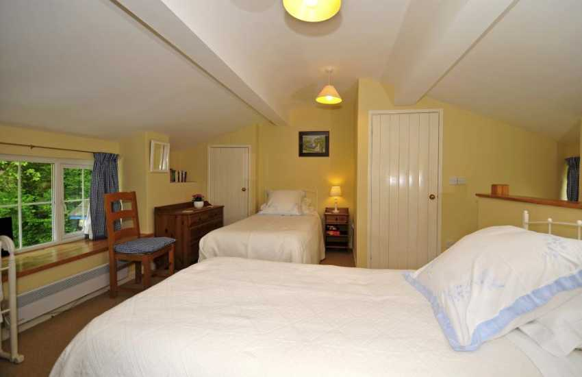 Romantic holiday cottage Bodnant Gardens - bedroom